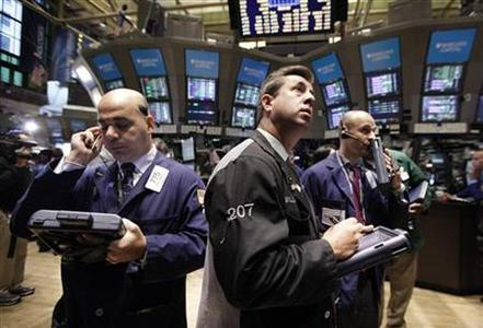 Traders work on the floor of the New York Stock Exchange September 28, 2011. REUTERS/Brendan McDermid