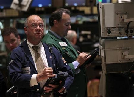 Traders work on the floor of the New York Stock Exchange September 23, 2011. REUTERS/Brendan McDermid