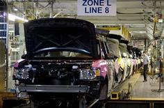 <p>The new Ford Flex is seen on the assembly line at the company's Oakville Plant June 3, 2008. REUTERS/Fred Thornhill</p>