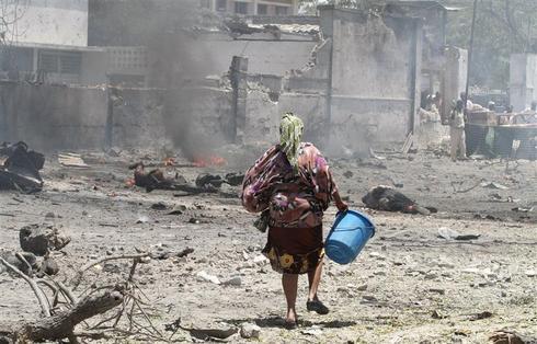 Suicide blast strikes Somalia