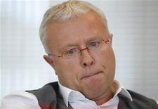 <p>Billionaire Russian tycoon Alexander Lebedev, the owner of Britain's Independent and London Evening Standard newspapers, speaks to Reuters journalists during an interview in Moscow July 12, 2011. REUTERS/Sergei Karpukhin</p>