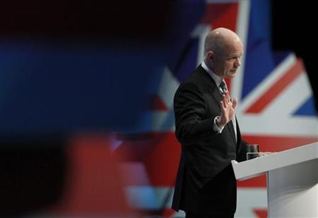 Britain's Foreign Secretary William Hague gestures during his keynote speech on the final day of the Conservative Party annual conference in Manchester, northern England October 5, 2011. REUTERS/Phil Noble