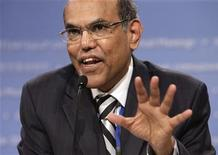 <p>India's Central Bank Governor Duvvuri Subbarao speaks at the BRICs finance ministers' news conference during the annual International Monetary Fund (IMF)-World Bank meetings in Washington September 22, 2011. REUTERS/Yuri Gripas</p>