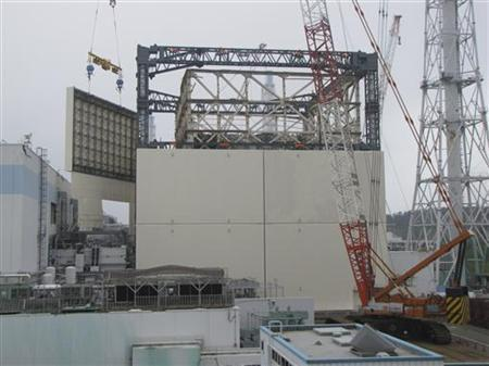 Reactor building cover of unit 1 of the tsunami-crippled Fukushima Daiichi nuclear power plant in Fukushima prefecture, is seen in this handout picture taken on September 15, 2011. REUTERS/Tokyo Electric Power Co/Handout
