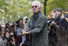 <p>Musicians Graham Nash (2nd R) and David Crosby perform in Zuccotti Park where Occupy Wall Street campaign demonstrators have been occupying in New York November 8, 2011. REUTERS/Shannon Stapleton</p>