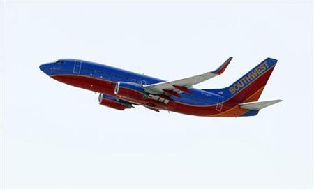 A Southwest Airlines 737-700 takes off from Bob Hope Airport in Burbank, California April 4, 2011. REUTERS/Mario Anzuoni