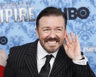 """<p>Foto de archivo del actor Ricky Gervais a su llegada al estreno de la segunda temporada de la serie """"Boardwalk Empire"""", en Nueva York, sep 14 2011. Ricky Gervais dice que quiere mejorar su polémica participación en los Globos de Oro 2011, siendo incluso más escandaloso la próxima vez. REUTERS/Eduardo Munoz</p>"""