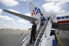 <p>AMR, société-mère de la compagnie aérienne American Airlines, a déposé son bilan mardi, dans le but de restructurer sa dette. AMR a également désigné Thomas Horton comme PDG, succédant à Gerard Arpey. /Photo prise le 20 juillet 2011/REUTERS/Darrell Byers</p>