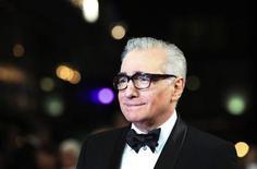 """<p>Imagen de archivo del director Martin Scorsese a su llegada al estreno de su cinta """"Hugo"""" en Londres, nov 28 2011. """"The Artist"""", una película muda en blanco y negro sobre Hollywood, el drama """"The Descendendants"""", Brad Pitt, Martin Scorsese y Terrence Malick se llevaron el domingo los principales premios de críticos y grupos de la industria del cine en Estados Unidos. REUTERS/Olivia Harris</p>"""