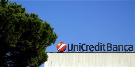 A Unicredit bank logo is seen in Rome November 15, 2011. REUTERS/Stefano Rellandini
