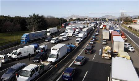 A view of Naples north highway is seen during a truckers' protest against the government's deregulation plans in Naples January 23, 2012. REUTERS/ Ciro De Luca