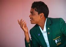 <p>Muneer Aftab, 15, gestures during an interview with Reuters at his home in Lyari neighborhood, in Karachi October 19, 2011. REUTERS/Akhtar Soomro</p>