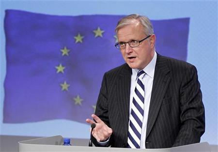 European Economic and Monetary Affairs Commissioner Olli Rehn addresses a news conference at the European Commission headquarters in Brussels January 11, 2012. REUTERS/Francois Lenoir
