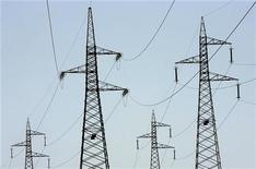 <p>Les actionnaires italiens d'Edison ont donné leur approbation définitive pour un accord prévoyant la réorganisation du deuxième électricien italien et donnant le contrôle au français EDF après des mois de conflits. /Photo d'archives/REUTERS/Max Rossi</p>