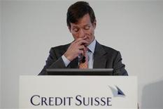 <p>Brady Dougan, directeur général de Credit Suisse. Le deuxième groupe bancaire suisse a présenté des chiffres inférieurs aux attentes au quatrième trimestre 2011 en raison de charges, mais a souligné que l'année en cours avait bien démarré. /Photo prise le 9 février 2012/REUTERS/Arnd Wiegmann</p>