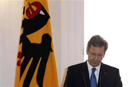 German President Christian Wulff makes a statement in the presidential residence Bellevue Palace in Berlin, February 17, 2012. REUTERS/Tobias Schwarz