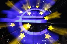 <p>a Banque centrale européenne (BCE) n'a pas modifié ses taux directeurs jeudi, une décision sans surprise pour des marchés qui attendaient une pause de sa part après la deuxième injection massive de liquidités opérée à la toute fin du mois dernier. /Photo prise le 29 février 2012/REUTERS/Alex Domanski</p>