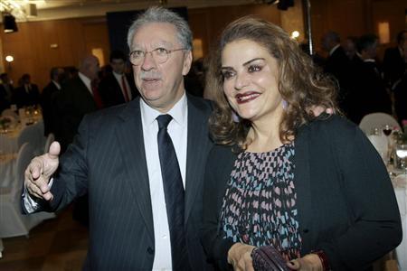 Σοκ! Το Reuters ξετινάζει το ζεύγος Σάλλα για την Τράπεζα Πειραιώς. Όλο το δημοσίευμα...