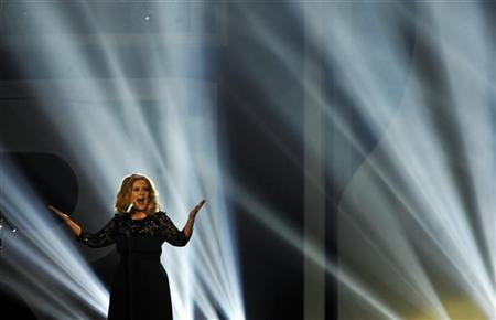 Adele performs during the BRIT Music Awards at the O2 Arena in London February 21, 2012. REUTERS/Dylan Martinez (BRITAIN - Tags: ENTERTAINMENT)
