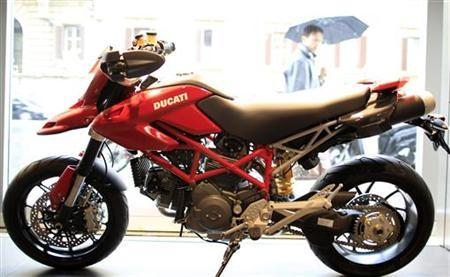 A Ducati Hypermotard is seen in a Ducati motorbike shop in Rome, April 13, 2012. REUTERS/Stefano Rellandini