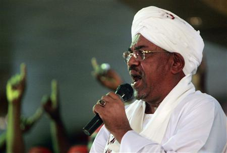 Sudanese President Omar al-Bashir addresses supporters during a rally at the ruling National Congress Party (NCP) headquarters in Khartoum April 18, 2012. REUTERS/Mohamed Nureldin Abdallah