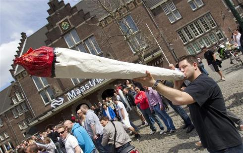 Dutch weed, locals only