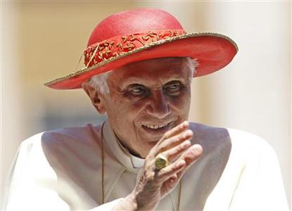Pope Benedict XVI wears a ''Saturno'' hat during his weekly general audience at Saint Peter's Square in the Vatican June 6, 2012. REUTERS/Max Rossi