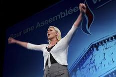 """<p>Après son score """"historique"""" à l'élection présidentielle, Marine Le Pen espère arracher des sièges de députés après quasiment 26 ans d'exclusion de l'Assemblée Nationale. /Photo prise le 1er juin 2012/REUTERS/Julien Muguet</p>"""