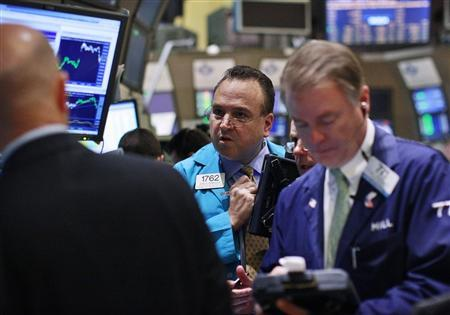 Traders work on the floor of the New York Stock Exchange June 8, 2012. REUTERS/Brendan McDermid