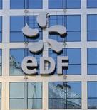<p>EDF (+3,66%), en tête des hausses à la Bourse de Paris, qui avance de 0,24% vers midi, après un bref passage dans le rouge en raison des inquiétudes en Espagne. /Photo d'archives/REUTERS</p>