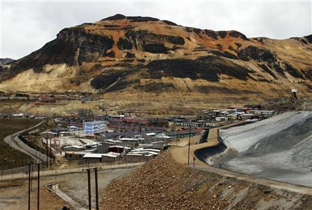 A panoramic view of the Morococha town in the Andes May 13, 2010. FRONTIERS/PERU REUTERS/Pilar Olivares