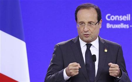 France's President Francois Hollande addresses a news conference after a European Union leaders summit in Brussels June 29, 2012. REUTERS/Francois Lenoir