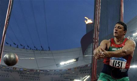 Ivan Tsikhan of Belarus competes in the men's hammer throw final of the athletics competition at the National Stadium during the Beijing 2008 Olympic Games, August 17, 2008. REUTERS/Kai Pfaffenbach