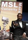 """<p>""""Reach for the Stars"""", le dernier single de Will.i.am, le chanteur des Black Eyed Peas, va être diffusé ce mardi soir sur Mars grâce au robot de la Nasa, Curiosity, qui a atterri début août sur la """"planète rouge"""". /Photo prise le 5 août 2012/REUTERS/Fred Prouser</p>"""