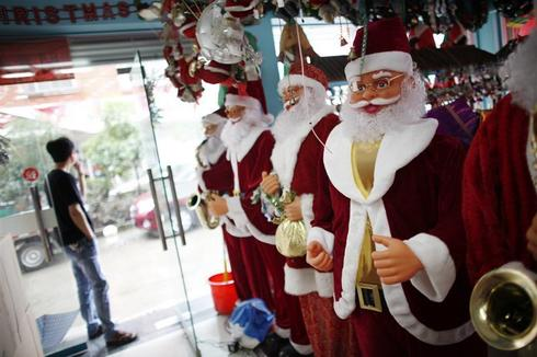 China's Christmas factories
