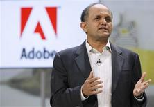 <p>Shantanu Narayen, le directeur général d'Adobe Systems. Le fabricant des logiciels Photoshop et Acrobat fait état d'un bénéfice trimestriel conforme aux attentes des analystes financiers mais d'un chiffre d'affaires inférieur au consensus, en raison d'un impact de changes négatif. /Photo d'archives/REUTERS/Rick Wilking</p>
