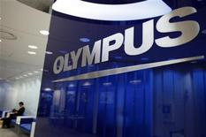 <p>Sony va investir 50 milliards de yens (498 millions d'euros) pour prendre une participation de 11,43% dans Olympus. Les deux groupes se sont également mis d'accord sur la création d'une coentreprise dans le domaine des équipements médicaux. /Photo d'archives/REUTERS/Yuriko Nakao</p>