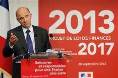 <p>L'effort budgétaire français sans précédent de 37 milliards d'euros pour 2013 n'est pas un handicap pour l'économie mais va au contraire redresser sa compétitivité, déclare le ministre de l'Economie et des Finances Pierre Moscovici dans un entretien au Monde de dimanche. /Photo prise le 28 septembre 2012/REUTERS/John Schults</p>