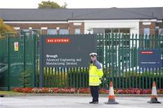 <p>Le premier actionnaire de BAE Systems a dressé une longue liste d'objections à la fusion du groupe de défense britannique avec EADS, citant notamment des craintes d'ingérence des Etats ou encore une absence de pertinence stratégique de l'opération. /Photo d'archives/REUTERS/Nigel Roddis</p>