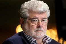 <p>Imagen de archivo del cineasta George Lucas durante una conferencia en el instituto Milken de Beverly Hills, EEUU, abr 30 2012. Walt Disney Co anunció el martes que acordó la adquisición de Lucasfilm Ltd, del director cinematográfico George Lucas, por 4.050 millones de dólares. REUTERS/Fred Prouser</p>