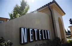 <p>Imagen de archivo de la casa matriz de Netflix en Los Gatos, EEUU, sep 20 2011. Las acciones de Netflix saltaron hasta un 20 por ciento el miércoles, luego de que el influyente inversor Carl Icahn reportó una participación del casi un 10 por ciento en la empresa de transmisión de películas online. REUTERS/Robert Galbraith</p>