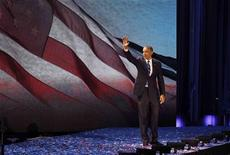 <p>Le président Barack Obama, tout juste réélu pour un second mandat de quatre ans, a rappelé mercredi auprès des dirigeants tant démocrates que républicains du Congrès américain sa volonté de travailler ensemble pour limiter les déficits et réduire les impôts. /Photo prise le 7 novembre 2012/REUTERS/Jim Bourg</p>