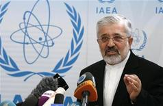 """<p>Foto de archivo del jefe de las negociaciones nucleares de Irán, Asghar Soltanieh, durante una conferencia de prensa en el marco de una reunión de la Agencia Internacional de Energía Atómica (IAEA) en Viena. 6 de junio, 2012. REUTERS/Herwig Prammer. Irán criticó el lunes a Estados Unidos por anunciar que las negociaciones para prohibir armas atómicas en Oriente Medio no se realizarán este año tal como fue planeado, acusándolo de provocar """"un grave revés"""" al Tratado de No Proliferación Nuclear (NPT por sus iniciales en inglés).</p>"""
