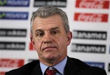 <p>L'ancien sélectionneur du Mexique Javier Aguirre a été nommé mercredi entraîneur de l'Espanyol Barcelone en remplacement de Mauricio Pochettino, licencié mardi après un début de saison qui laisse le club catalan à la dernière place de la Liga. /Photo d'archives/REUTERS/Daniel Aguilar</p>