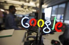<p>La police financière italienne a ouvert une enquête sur la filiale italienne de Google, soupçonnée d'avoir sous-évalué ses profits et de ne pas s'être acquittée de paiements de TVA. /Photo d'archives/REUTERS/Mark Blinch</p>