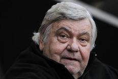 """<p>Louis Nicollin, président de Montpellier, reconnaît dans une interview accordée à Reuters que le champion de France en titre a vécu une première moitié de saison compliquée. """"Il était temps que cela aille mieux, je commençais à en avoir un peu marre. Je ne peux pas admettre le début de saison que l'on a fait avec les efforts financiers que j'ai faits"""", a-t-il déclaré. /Photo d'archives/REUTERS/Stephane Mahé</p>"""