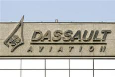 <p>Eric Trappier, directeur général international de Dassault Aviation, a été nommé au poste de PDG de l'avionneur, au terme d'un processus marqué par le secret, pour succéder à Charles Edelstenne, qui sera atteint par la limite d'âge en janvier. /Photo prise le 22 mars 2012/REUTERS/Benoît Tessier</p>