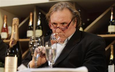 Depardieu gets Russian citizenship