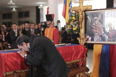 Venezuela mourns Chavez