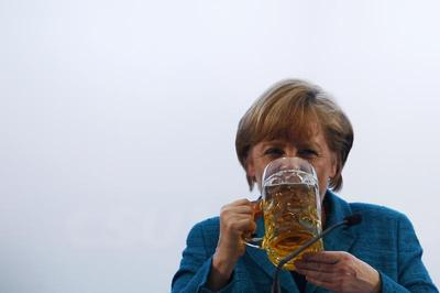 Politicians with pints